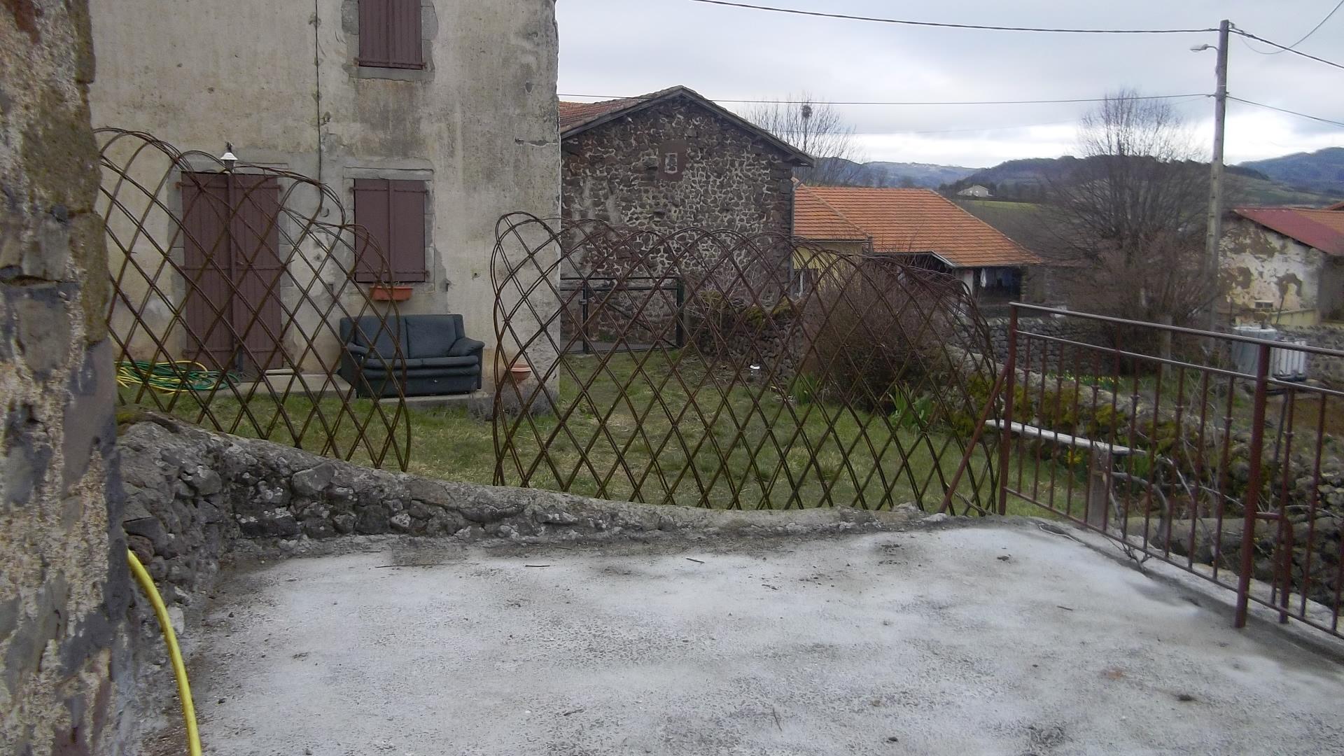 Un cache vue pour la terrasse vis vis du voisin la table de vailhac - Cache vue terrasse ...